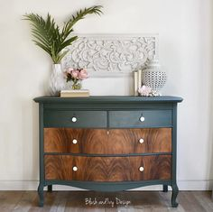 Today's goes to Fabie at She sanded down the drawers and added our Hemp Oil to bring out the character in the wood! We love the wood grain mixed with 'Hollow Hill'! It's the perfect combo! Leave a comment if you love this piece as much as we do! Diy Furniture Renovation, Diy Furniture Decor, Diy Furniture Projects, Refurbished Furniture, Repurposed Furniture, Furniture Makeover, Vintage Furniture, Painted Furniture, Navy Furniture