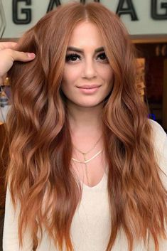 Copper gold redhair red hair is really cool but its very important to choose the right shade for your complexion see our popular shades of red lovehairstyles hair hairstyles haircuts conseils pour le soin des cheveux longs Balayage Hair Caramel, Auburn Balayage Copper, Copper Balayage Brunette, Balayage Hair Copper, Balayage Bob, Caramel Hair, Natural Red Hair, Warm Red Hair, Long Red Hair