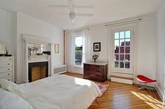 This room is crisp and white and feels just right. – The Best of Lena Dunham's House Hunting Expeditions
