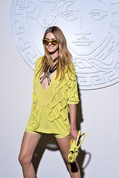 Vestidos de primavera  Vitamina C para la nueva temporada, así lo propone Versace, SS14