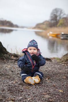 Little cutie in a late autumn family photography session in Stockholm www.cherriecouttsphotography.com