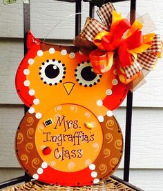 Back to school, teacher sign, classroom sign, owl sign, school sign, fall sign by Angelascreativecraft on Etsy https://www.etsy.com/listing/245423012/back-to-school-teacher-sign-classroom