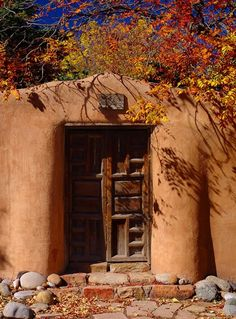 Love a Southwestern Home!  Santa Fe, NM, by Gerald Brimacombe  ~~ Houston Foodlovers Book Club