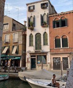 European Summer, Italian Summer, European Holidays, Lets Run Away, Living In Italy, Northern Italy, Travel Aesthetic, Summer Aesthetic, Travel Inspiration