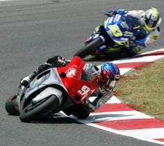 Aoki leads Kiyonari in the early stages of the Catalan GP.