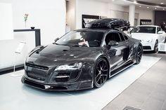 Jon Olsson Audi R8    http://jon-olsson.com/?p=9897