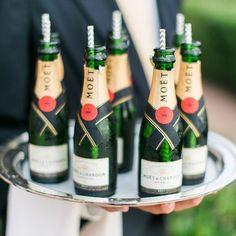 Resultado de imagem para mini garrafas de champagne
