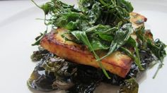 Eat Weeds. UK site but would be interesting to adapt the recipes to fit what is in my area.