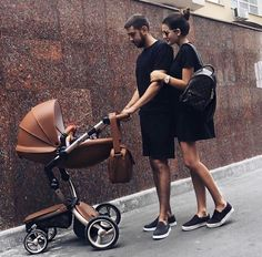 Uploaded by Find images and videos about family, baby and love on We Heart It - the app to get lost in what you love. Cute Family, Baby Family, Family Goals, Family Portraits, Family Photos, Foto Baby, Live Girls, Family Outfits, Cute Couples Goals