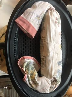 Seit ein paar Tagen probiere ich mein Weihnachtsmenü aus. Geplant hatte ich Veggi-Kohlrouladen, Birnen-Feigen-Rotkohl, Kartoffeln und Serviettenknödel. Meine Veggi-Rouladen sind noch nicht perfektioniert und mein Birnen-Rotkohl leider auch noch nicht. Diesen hatte ich im Mixtopf, während ich die Serviettenknödel nach der Hälfte der Rotkohl-Kochzeit oben im Varoma gedämpft habe. Der Rotkohl war super lecker, aber durch die permanente hohe Temperatur leider auf die Hälfte reduziert. Die Menge…
