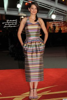 marion cotillard and her awesome fiesta dress - don't know how i feel about the pockets though...
