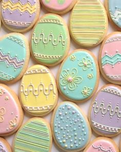 Nice pastel Easter egg cookies by Annalise Cakes. I'm not sure I would have the patience to make these but they are beautiful! Too pretty to eat! No Egg Cookies, Fancy Cookies, Valentine Cookies, Iced Cookies, Cute Cookies, Easter Cookies, Easter Treats, Cookies Et Biscuits, Holiday Cookies