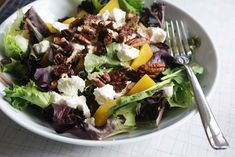 Beet pecan Salad with Roasted Beets, Goat Cheese & Sugared Pecans Beet And Goat Cheese, Goat Cheese Salad, Roasted Beet Salad, Sugared Pecans, Summer Side Dishes, Cooking Recipes, Healthy Recipes, Sauce Recipes, Salad Dressing Recipes