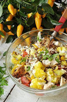 Przepisy na letnie sałatki - Damsko-męskie spojrzenie na kuchnię Cobb Salad, Salads, Lunch, Food, Eat Lunch, Salad, Chopped Salads, Lunches, Meals