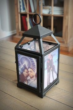 Geschenk Hochzeit - Illuminate your memories with a personalized lantern that displays your own phot. Photo Centerpieces, Rustic Wedding Centerpieces, Diy Foto, Gold Lanterns, Modern Rustic Decor, Led Candles, Decoration, A Table, Diy Home Decor