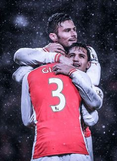 Gibbs, Alexis, and Giroud celebrate
