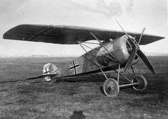 LFG (Luft-Fahrzeug-Gesellschaft) Roland D XVL Ww2 Aircraft, Fighter Aircraft, Military Aircraft, Fighter Jets, Air And Space Museum, Vintage Air, Air Ride, War Machine, World War I