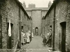 Parrs Yard, Page Street 1931 Emily Walker 1911