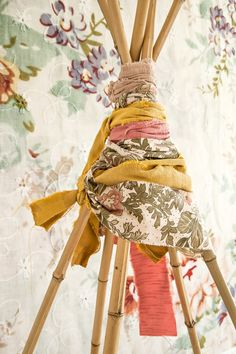 This picture: Jonas Gustavsson the others are mine Wallpaper: Blossom from Mr Perswall Fredagsfeeling och vårkänslor, t. Fun Crafts For Kids, Diy For Kids, Diy Teepee, Backyard Projects, I Wallpaper, Kid Spaces, Fabric Scraps, Kids Toys, Diy Crafts