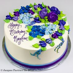 Iced Hydrangea & Roses Cake