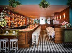 Go inside San Francisco hotspot Leo's Oyster Bar and see how the Hawaiiana-meets-Mad Men decor helped establish the restaurant into a style-focused space. Interior Tropical, Tropical Design, Mad Men, Leos Oyster Bar, Bares Y Pubs, Ken Fulk, San Francisco Bars, Bar A Vin, Estilo Tropical