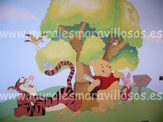 Murales infantiles de Winnie  Murales infantiles pintados en toda España. Sobre paredes lisas o en gotelé. Muchas ideas y fotos en www.muralesmaravillosos.es