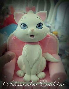 Marie Kitty Topper
