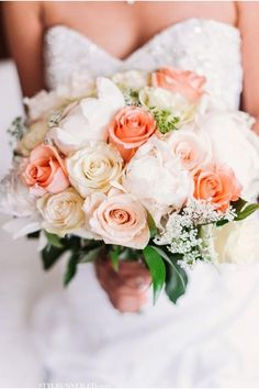 Peach and Cream Bridal Bouquet / A Chicago Real Wedding Photographed by Two Birds Photography / via StyleUnveiled.com