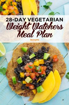 There are a lot of Weight Watchers recipes that contain meat. So we created this vegetarian Weight Watchers meal plan. For four whole weeks, you won't have to worry about what to cook! Plats Weight Watchers, Weight Watchers Meal Plans, Healthy Dinner Recipes, Diet Recipes, Vegetarian Recipes, Juice Recipes, Vegetarian Diet Plans, Easy Recipes, Vegetarian Casserole