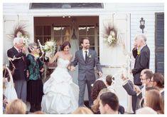 Klassieke bruiloft aan het meer ,  #aan #bruiloft #het #klassieke #meer #RusticThemeDress Budget Wedding, Chic Wedding, Dream Wedding, Wedding Ideas, Lakeside Wedding, Woodland Wedding, Just Married, Getting Married, Rustic Theme Party
