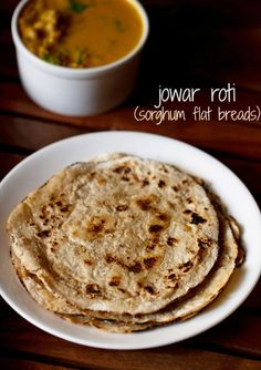 jowar roti recipe with step by step pics. jowar roti or jowar bhakri are flatbreads made with sorghum flour. these rotis are called as jolada rotti in karnataka. jowar rotis have a nice soft texture and even on cooling do not become hard or chewy. Gf Recipes, Bread Recipes, Vegetarian Recipes, Cooking Recipes, Healthy Recipes, Jowar Recipes, Recipies, Veg Recipes Of India, Indian Food Recipes
