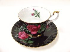 Royal albert english fine bone china, cup & saucer, red rose on black background