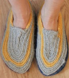 """""""Vikingtøfler i nålebinding. (Sagas verden)"""" I want to make these for house slippers. Any advice on how much larger to make them if I'm felting?"""