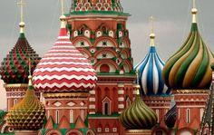 Cupulas de la Catedral de San Basilio en la Plaza Roja - Moscu