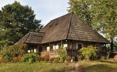 Romania People, Magical Home, Rural House, Medieval Houses, Concept Home, Modern Landscaping, Traditional House, Old Houses, House Design