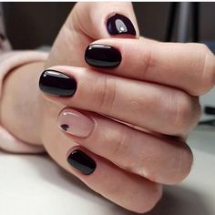 Looking for easy nail art ideas for short nails? Look no further here are are quick and easy nail art ideas for short nails. Square Nail Designs, Black Nail Designs, Best Nail Art Designs, Short Nail Designs, Simple Nail Designs, Design Ongles Courts, Black Nail Art, Black Gel Nails, Black Manicure