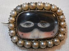 UNUSUAL-GEORGIAN-GOLD-amp-PEARL-MASQUERADE-MASK-LOVERS-EYE-BROOCH
