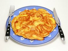 Apple Pie Pancakes - A nutritious breakfast recipe that could easily double as… Baby Food Recipes, Sweet Recipes, Snack Recipes, Dessert Recipes, Cooking Recipes, Snacks, Gluten Free Apple Pie, Kids Meals, Kuchen