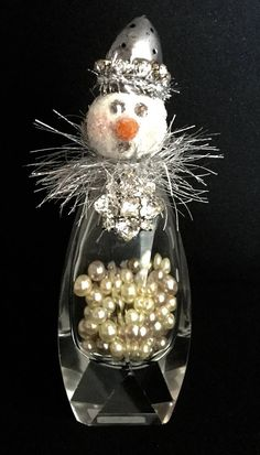 Handmade from a vintage salt shaker. Christmas Barbie, Retro Christmas, Christmas Snowman, Christmas Holidays, Christmas Decorations, Christmas Ornaments, Christmas Projects, Holiday Crafts, Holiday Fun