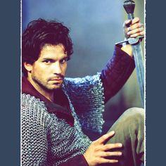 Santiago Cabrera as Lancelot in Merlin Good Looking Actors, Bbc Drama, How To Apologize, British Actors, Merlin, Gorgeous Men, Sexy Men, Movie Tv, Hot Guys