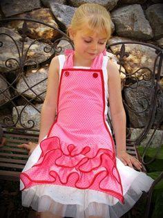 Aprons  strawberry shortcake washer spot by lilliputloft on Etsy.