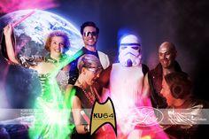 GALAKTISCH! (92 Fotos) GALAKTISCH  Die Space-Party zu unserer neuen Website (www.KU64.de) war super - und dazu haben alle Gäste mit Ihren tollen und ausgefallenen Kostümen beigetragen.   GATHLO!!!  (DANKE auf KLINGONISCH   Hier einige Eindrücke vom Fotografen ADRIAN LIEB.  Eure spacigen KU64er   #star #trek #outer #space #ausserirdisch #berlin #ku64 #darth #vader #spock #luke #skywalker