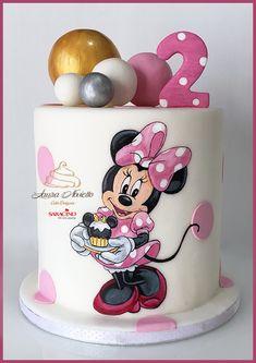 Minnie Mouse Cake - cake by NovielloCake Mini Mouse Birthday Cake, Mini Mouse Cake, Minnie Mouse Birthday Decorations, Cute Birthday Cakes, Minnie Birthday, Bolo Mickey E Minnie, Mickey Mouse Cake, Minnie Mouse Cake Design, Minnie Mouse Theme