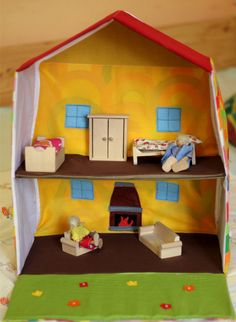 Travel Doll House - Portable - Foldable - Dollhouse