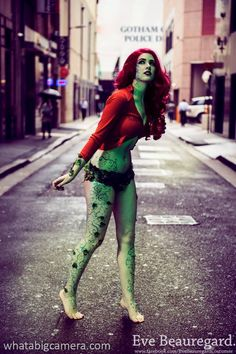 Poison Ivy by Eve Beauregard, photo by What a Big Camera.