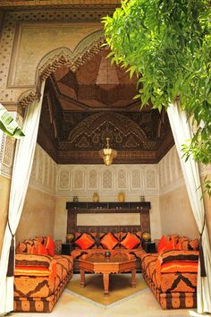The attention to details is what Moroccan artisans are famous for. This traditional Moroccan living room is a statement to the amazing skills these artisans possess. God bless them.