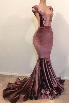Looking for plus size prom dresses in Mermaid Sleeveless styles, and hope to custom made Appliques prom dresses in affordable price? Newarrivaldress covers all on this elegant Mermaid Sleeveless Floor Length Appliques Velvet Long Prom Dresses Cheap. Mermaid Prom Dresses Lace, Prom Girl Dresses, Prom Outfits, Plus Size Prom Dresses, Cheap Prom Dresses, Bridesmaid Dresses, Wedding Dresses, Prom Gowns, Bridal Gowns