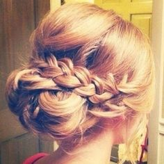 Someone should be my hair model at work so I can play with different braid styles :) #hairstylist #wsalonstudio #sanjuancapistrano #hairstyles #funbraids #updos #braid