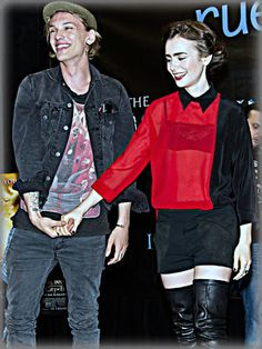 Jamie Campbell Bower in addition to Lily Collins divided after a year of dating, in line with a new report by means of Us Weekly. The past lovebirds were 1st romantically linked in July, 2012 whilst filming The Mortal Devices: City of Bones in Toronto plus they are currently on a countrywide press tour promoting the actual flick. In fact,...