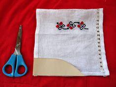 handmadeina: Imi cos singura o ie- Tutorial, pregatirea manecilor pentru incheiat Pot Holders, Projects To Try, Cross Stitch, Costumes, Crossstitch, Dress Up Clothes, Potholders, Cross Stitches, Costume